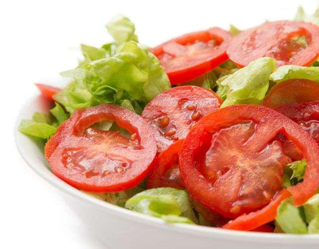 диетический салат с фасолью консервированной