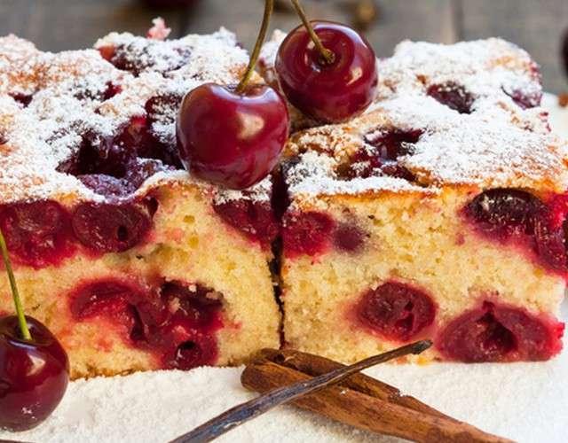 Творожный кекс с вишней - рецепт приготовления с фото от Maggi.ru